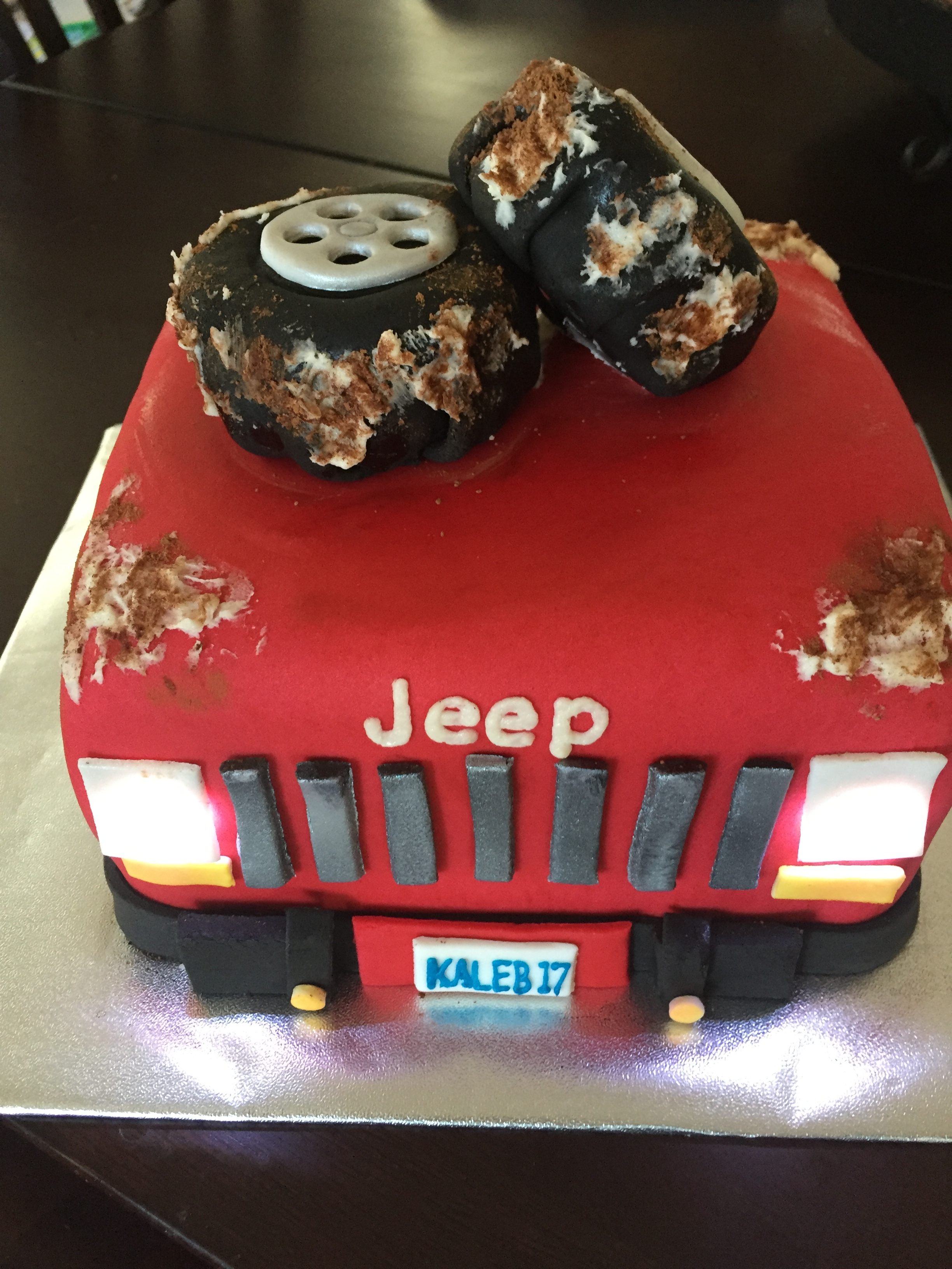 Jeep Birthday Cake With Lights Ad Cakes